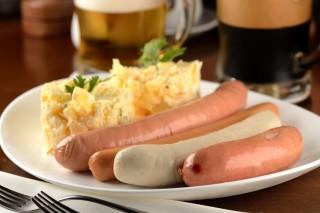 Prato com quatro tipos de salsicha do Konstanz *** ****