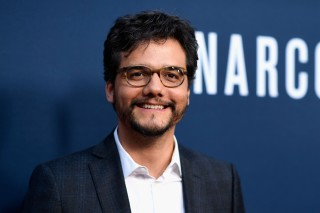 HOLLYWOOD, CA - AUGUST 24: Actor Wagner Moura attends the Premiere of Netflix's
