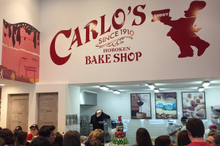 Loja Carlo's Bakery, do Cake Boss, nos Jardis *** ****