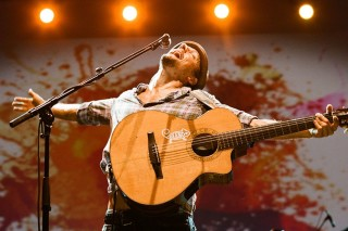 Cantor norte-americano Jason Mraz faz show no Citibank Hall ***  ****