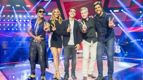 "Carlinhos Brow, Ivete Sangalo, André Marques, Victor & Léo no ""The Voice Kids"""