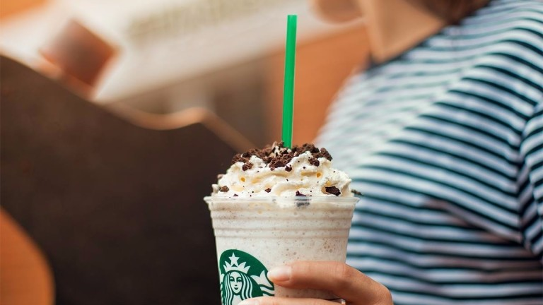 O frappuccino sabor Cookies & Cream do Starbucks  *** ****