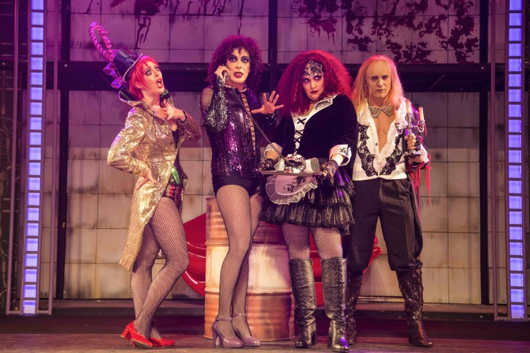 "Jana Amorim, Marcelo Medici, Gottsha e Thiago Machado, do musical ""Rocky Horror Shows"""