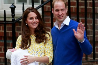 Britain's Prince William and his wife Catherine, Duchess of Cambridge, appear with their baby daughter, Charlotte Elizabeth Diana, outside the Lindo Wing of St Mary's Hospital, in London, Britain May 2, 2015. The Duchess of Cambridge, gave birth to a girl on Saturday, the couple's second child and a sister to one-year-old Prince George.      REUTERS/Cathal McNaughton - RTX1B9D5 ORG XMIT: LON783