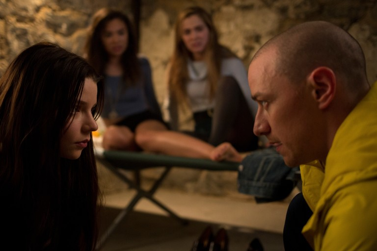 Fragmentado  [Split, Estados Unidos, 2016], de M. Night Shyamalan (Universal). GEnero: terror. Elenco: James McAvoy, Anya Taylor Joy, Betty Buckley ***DIREITOS RESERVADOS. NÃO PUBLICAR SEM AUTORIZAÇÃO