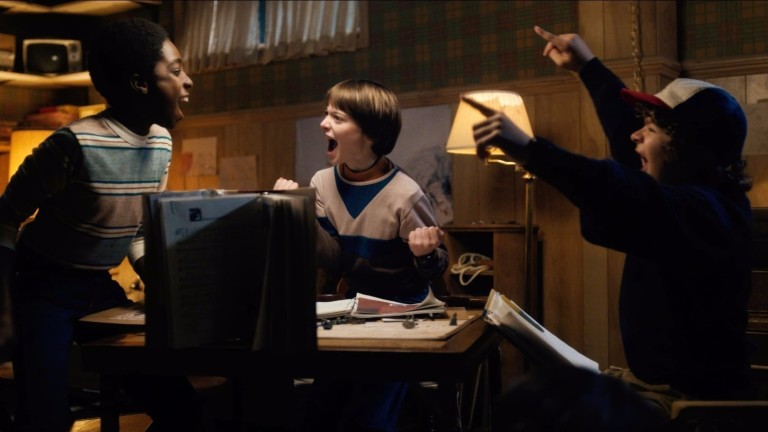Personagens da série 'Stranger Things' jogam 'Dungeons & Dragons' *** ****