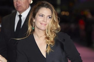 "Drew Barrymore em première de ""Miss You Already"", em Londres"