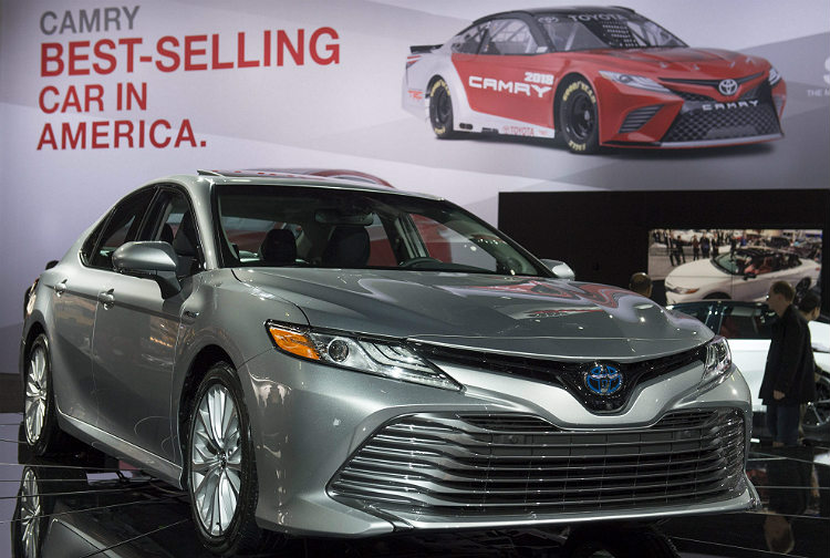 The newly-resigned 2018 Toyota Camry sedan is on display during the 2017 North American International Auto Show in Detroit, Michigan, January 10, 2017. / AFP PHOTO / SAUL LOEB ORG XMIT: SAL013