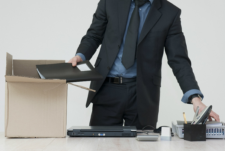 Man leaving job. Licenciement en entreprise Arquivo. Credit : Duris Guillaume / Fotolia