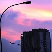 São Paulo, SP, 19-04-2011 - Imóvies recém construidos na região do Tatuapé, zona leste da cidade. Região teve lançamentos imobiliários no último ano com apartamentos de 2 e 3 dormitórios com valor abaixo de 500 mil Reais e imóveis que podem ser comprados com dinheiro do FGTS.(Foto: Pierre Duarte/Folhapress)**Exclusivo FSP**SUPLEMENTO/IMÓVEIS**