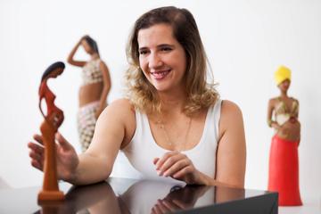 Obstetriz ajuda mães a terem experiência positiva no parto