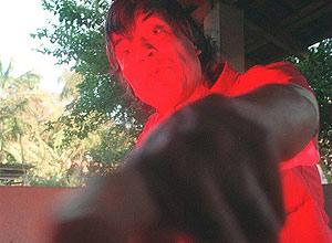 Luz Vermelha' posa para foto em Joinvile, após ser solto em agosto de 1997