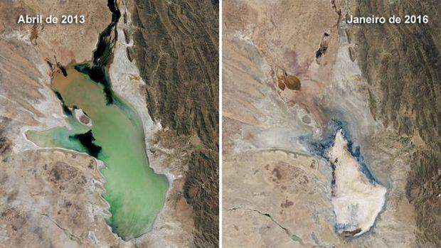 O lago Poopó fotografado de um satélite da NASA; a diferença entre uma foto e a outra é de 3 anos