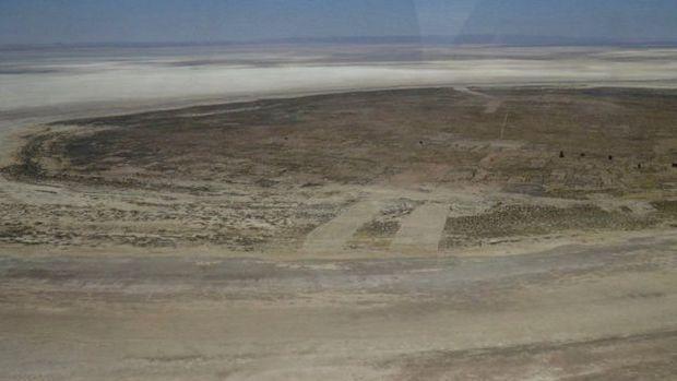 A ilha de Panza já não está mais cercada de água --ela é apenas um amontoado de terra