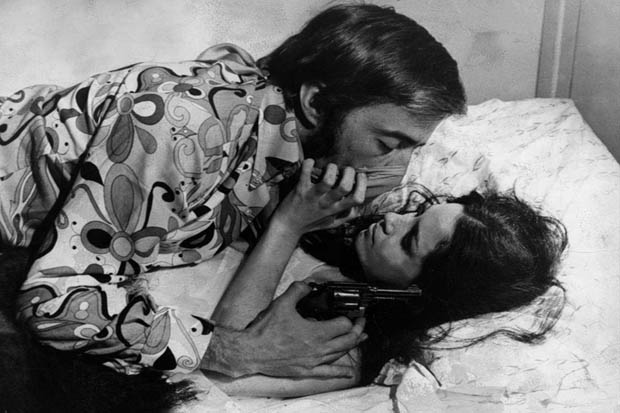 """Cena do filme """"O Bandido da Luz Vermelha"""" (1968),de Rogério Sganzerla"""
