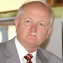 O reitor da UnB, Timothy Mulholland, decide se afastar do cargo após denúncias