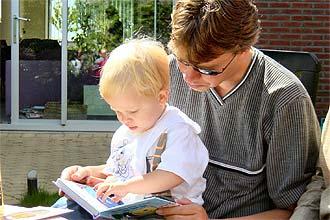 Pesquisa comprova que criança que lê mais escreve melhor