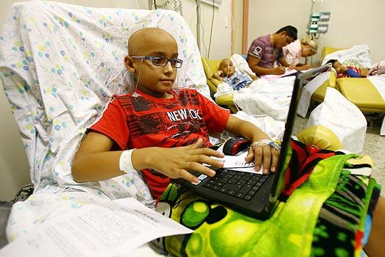 Breno Alessandro Soares dos Santos faz quimioterapia em Barretos