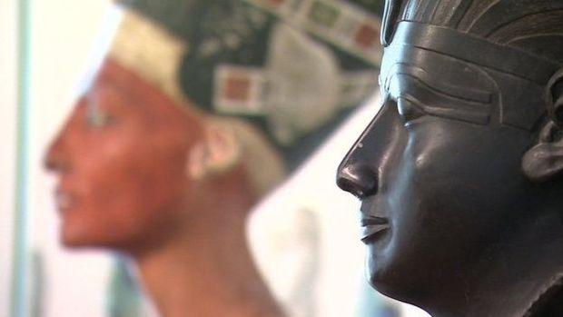 Hieróglifos em tumbas contam as histórias dos ricos e poderosos