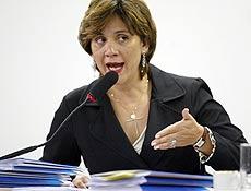 A diretora da Anac, Denise Abreu, em depoimento a CPI do Apagão Aéreo