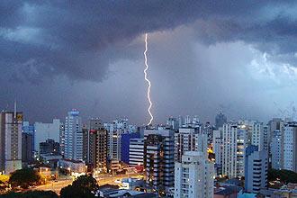 Raio atinge região da zona sul de São Paulo em dezembro de 2008; mortes por raios bate recorde histórico durante ano de 2008