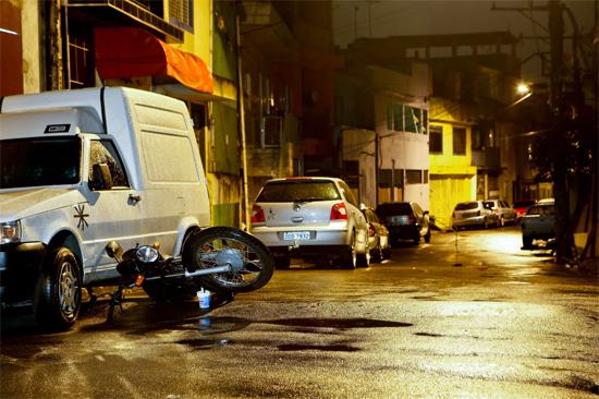 Moto é encontrada abandonada no local onde dois PMs à paisana foram mortos a tiros em Heliópolis, na zona sul de SP