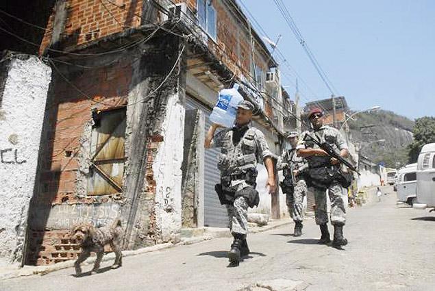 Força Nacional está no Morro Santo Amaro desde maio de 2012Tânia Rêgo/Agência Brasil