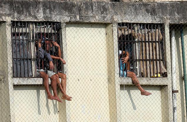 """Presos na penitenciária """"Adriano Marrey, em Guarulhos"""