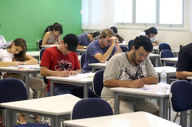 Resultado de imagem para Aplicado neste domingo, Enade avalia desempenho do ensino superior