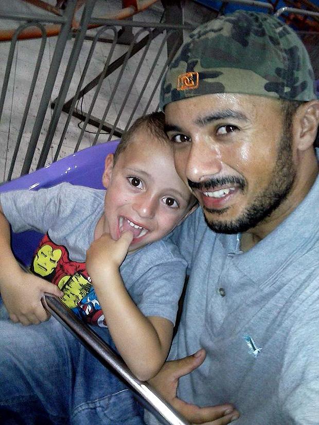Cleriano Jose da Silva, 31, e o filho de cinco anos mortos em incêndio na zona leste de SP