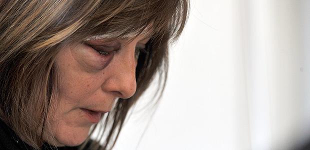 INDAIAL, SC - 22.08.2017: PROFESSORA-SC - Um dia depois de ser agredida por um aluno de 15 anos na unidade de Educação de Jovens e Adultos (EJA) de Indaial, em Santa Catarina, a professora de Língua Portuguesa Márcia Friggi tem no rosto as marcas da violência sofrida. (Foto: Lucas Correia/Agência RBS/Folhapress) **SOMENTE USO EDITORIAL** *** PARCEIRO FOLHAPRESS - FOTO COM CUSTO EXTRA E CRÉDITOS OBRIGATÓRIOS ***