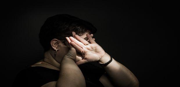 SAO PAULO, SP, BRASIL, 15-09-2017: A professora Luciana Rocha (41) estava dentro de sua sala de aula quando a mae de uma de suas alunas invadio o local para agredila. A agressao so nao aconteceu porque sua assistente e um coordenadora da escola impediram a violencia.(Foto: Bruno Santos/ Folhapress) *** FSP-COTIDIANO *** EXCLUSIVO FOLHA***