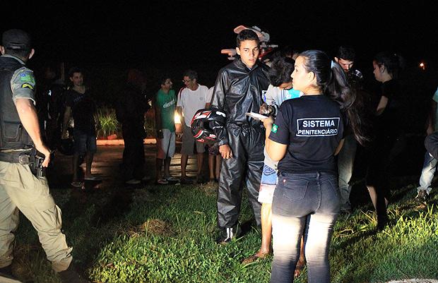 Polícia controla rebelião na noite desta quinta (4) em presídio de Goiás; um preso fugiu