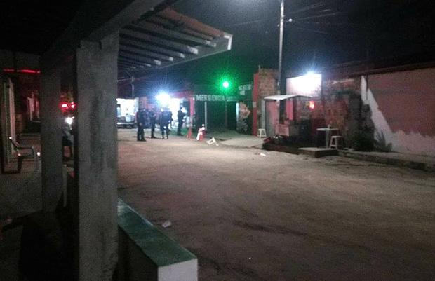 Criminosos invadem festa, matam várias pessoas e ferem dezenas em Fortaleza