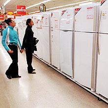 Governo tenta aquecer mercado interno com liberação de R$ 2 bi para bens de consumo