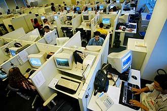 Governo coloca em prática novas regras para call center, mas empresas têm dificuldades para segui-las