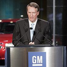 Rick Wagoner, presidente da GM, fala em Detroit sobre a ajuda oferecida pelo governo dos EUA
