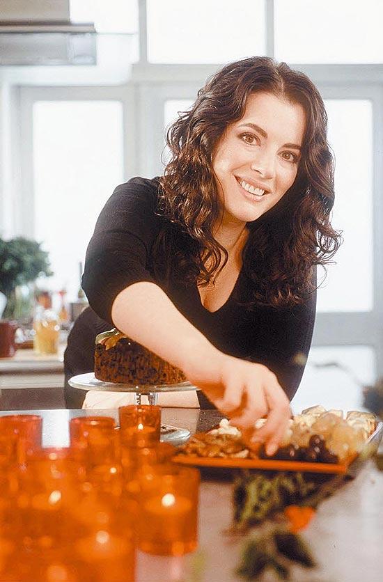 A apresentadora Nigella Lawson, que emagreceu depois de anos pregando o prazer de comer