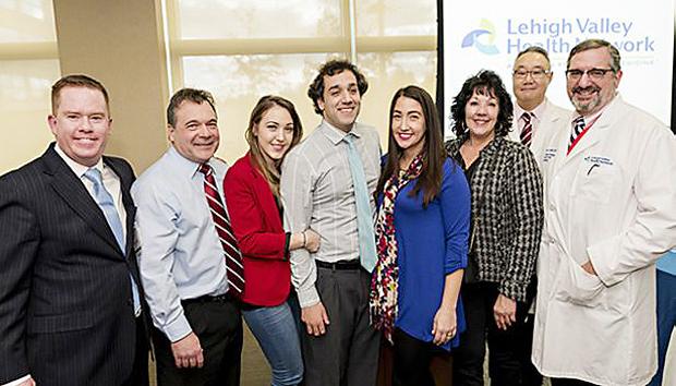 Justin retornou ao hospital Lehigh Valley para agradecer à equipe responsável pelo atendimento