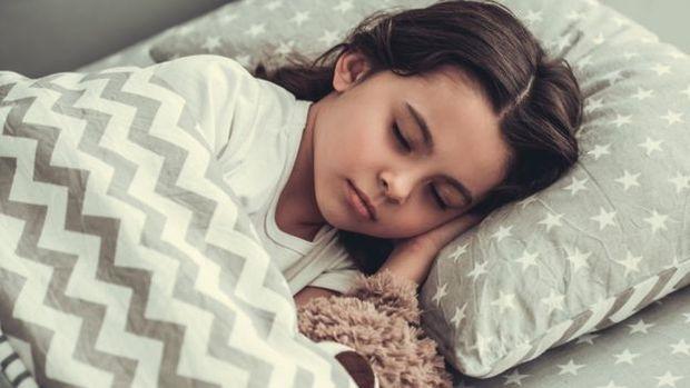 É durante o sono que o cérebro processa, revisa e armazena a memória
