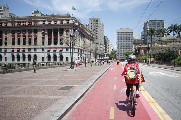 Resultado de imagem para ciclistas centro