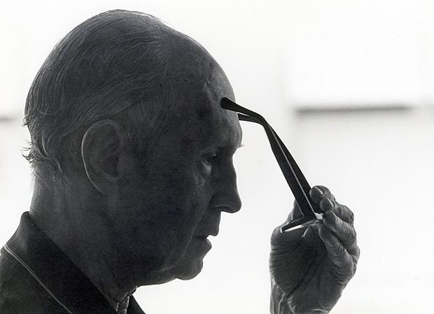 SC Rio de Janeiro (RJ) 26/10/2011 O escritor Carlos Drummond de Andrade aos 80 anos de idade, em 1982. Foto Divulgação/Rogério Reis