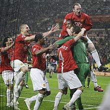 Jogadores do Manchester United comemoram conquista da Copa dos Campeões
