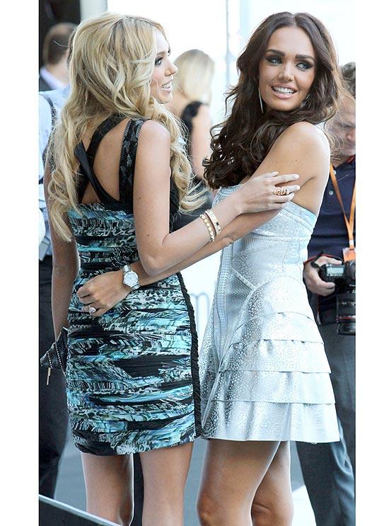 Petra (esq.) e Tamara, filhas do chefão da F-1, Bernie Ecclestone, em Monte Carlo