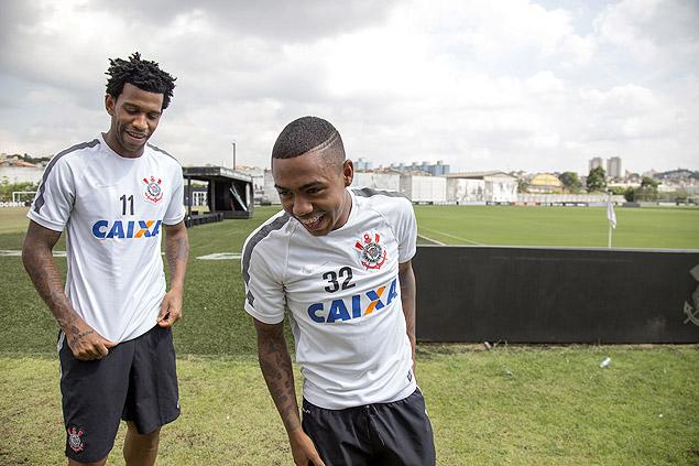 SAO PAULO, SP, 26.11.2015 - Entrevista com os jogadores Gil e Malcom do Corinthians no CT Joaquim Grava, Zona Leste - (Foto: Edilson Dantas/Folhapress, ESPORTES)