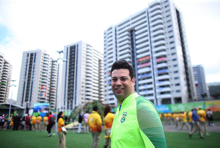 31 de Julho de 2016 - Rio2016 -Min. Leonardo Picciani na Cerimionia de hasteamento da bandeira na chegada da delegaçnao Brasileira na vila Olímpica. Foto: Roberto Castro/ ME/ Brasil2016 ***DIREITOS RESERVADOS. NÃO PUBLICAR SEM AUTORIZAÇÃO DO DETENTOR DOS DIREITOS AUTORAIS E DE IMAGEM***