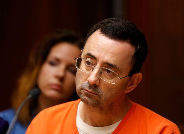 Larry Nassar durante julgamento por pornografia infantil