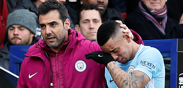 """Soccer Football - Premier League - Crystal Palace vs Manchester City - Selhurst Park, London, Britain - December 31, 2017 Manchester City's Gabriel Jesus goes off injured REUTERS/David Klein EDITORIAL USE ONLY. No use with unauthorized audio, video, data, fixture lists, club/league logos or """"live"""" services. Online in-match use limited to 75 images, no video emulation. No use in betting, games or single club/league/player publications. Please contact your account representative for further details. ORG XMIT: AI"""