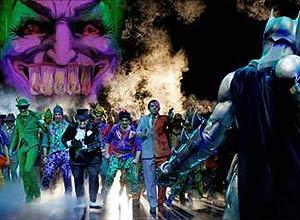 """Cena da peça """"Batman Live"""", que entra em cartaz em SP"""