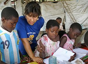 Margarida Botelho na África, com refugiados